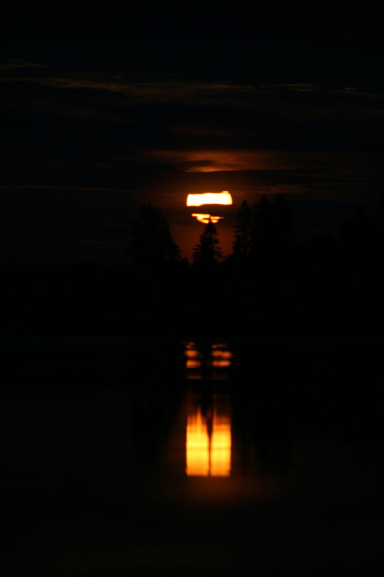 20091031 – Saturday - Jack-o-Lantern Moon