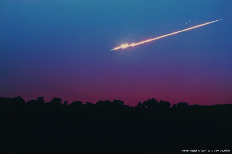 MeteorFireball_breakup