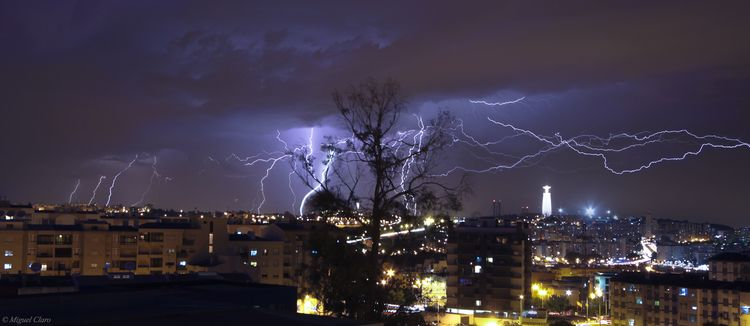 LightningStormLisbon-net (2)