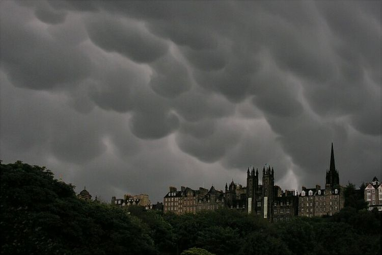 Mammatus over edinburgh