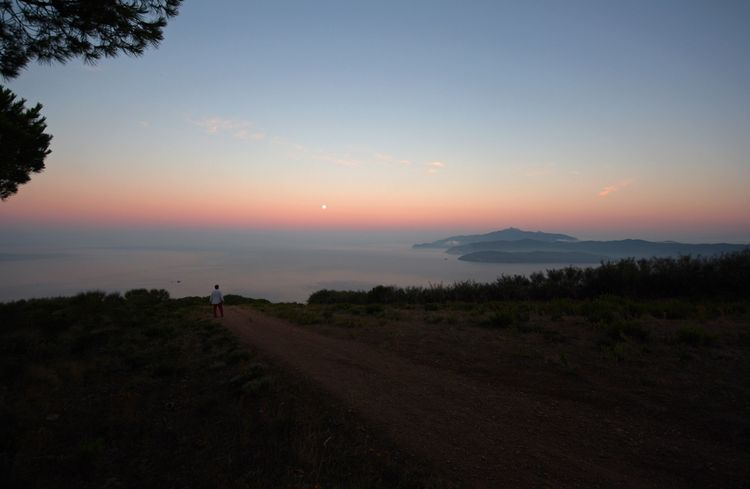 Belt of Venus over Isola d' Elba (2)