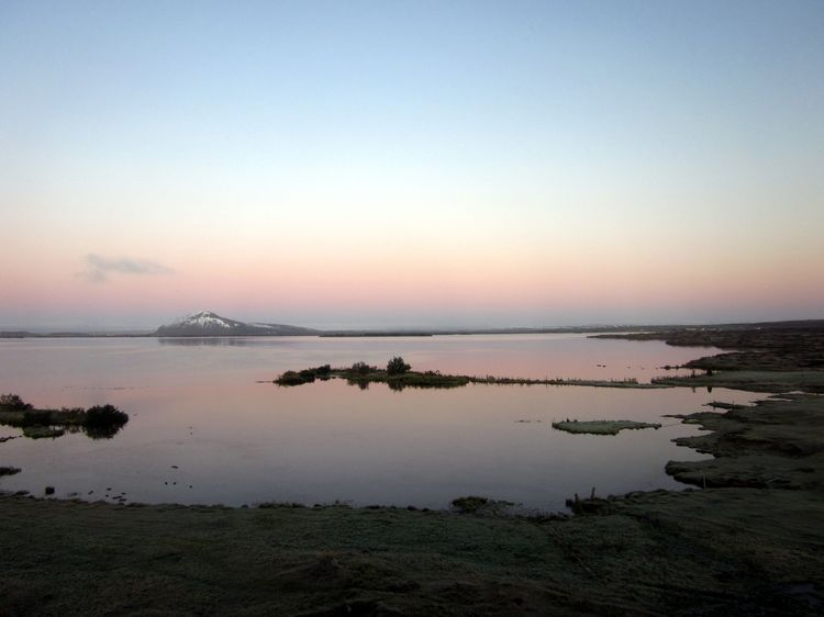 Lake-Mývatn-Sunrise-2011091