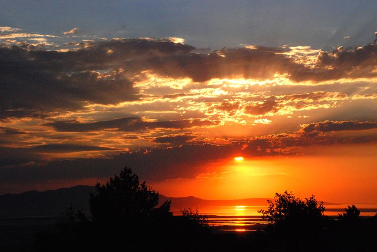GreatSaltLakeSunset1