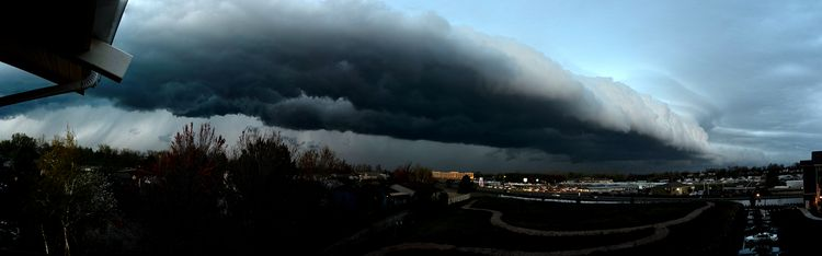 Wall_Cloud_Near__1200x375
