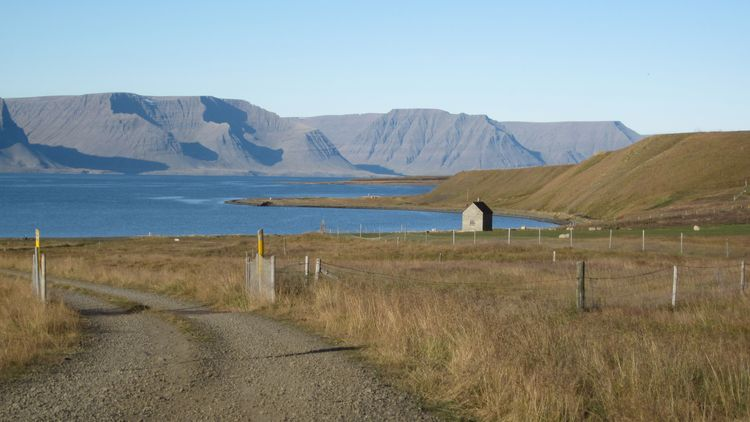 Quiet-Spot-in-Iceland-web-v