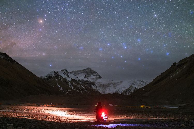 Starry Mount Everest