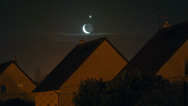 Conjunction of the Crescent Moon and Crescent Venus