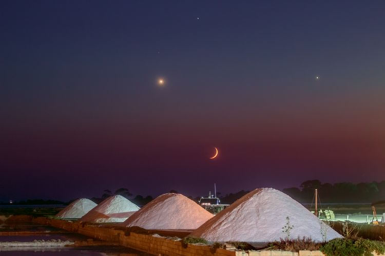 Moon Venus Jupiter Regulus and The Marine Salt Factory 2 TWAN