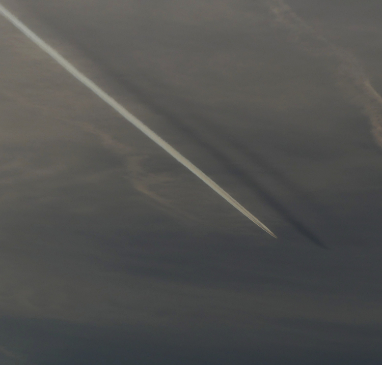 Double_Contrail_Shadows_HimmLL Sparg L3 III++ 069 - det1 - heko2 (1)