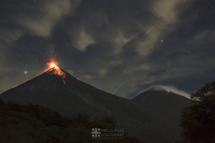 Perseid Meteor shower over erupting Volcano (4)